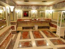 Historische Toilette GUM Moskau Bild 004 221x165 - Historische Toilette im GUM Kaufhaus Moskau