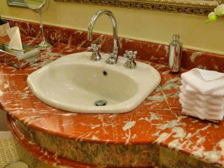 Historische Toilette GUM Moskau Bild 006 445x334 - Historische Toilette im GUM Kaufhaus Moskau