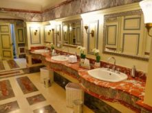 Historische Toilette GUM Moskau Bild 007 221x165 - Historische Toilette im GUM Kaufhaus Moskau