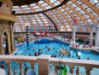 Hallenbad in Moskau - Karibiya Aquapark